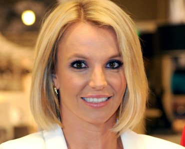 Britney Spears prohíbe a sus bailarines tener sexo
